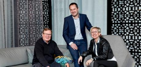Møbelmessen Scandinavian's organiser Esben Veng-Christensen (left) with Project Manager Mai-Britt Risvig Flyvholm and Project Seller Flemming Andersen from Formland. Foto: MCH/Tony Brøchner